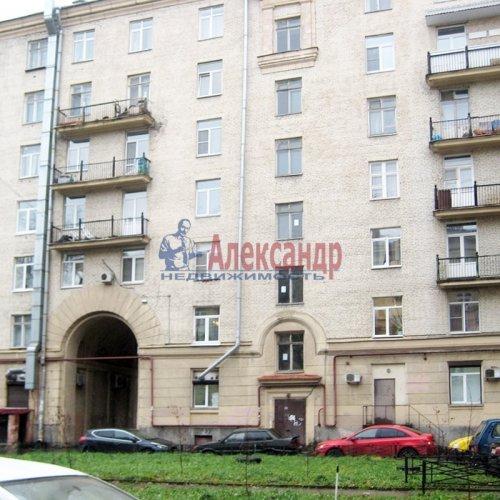 Комната в 3-комнатной квартире (75м2) на продажу по адресу Бабушкина ул., 42— фото 1 из 6