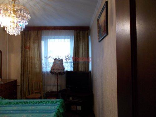 3-комнатная квартира (61м2) на продажу по адресу Ломоносов г., Ораниенбаумский пр., 49— фото 2 из 18