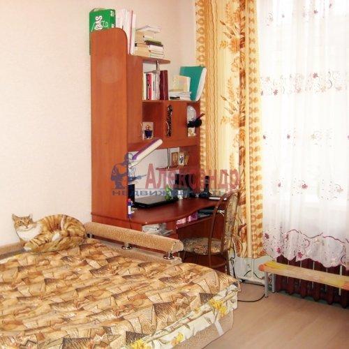 Комната в 3-комнатной квартире (75м2) на продажу по адресу Бабушкина ул., 42— фото 3 из 6
