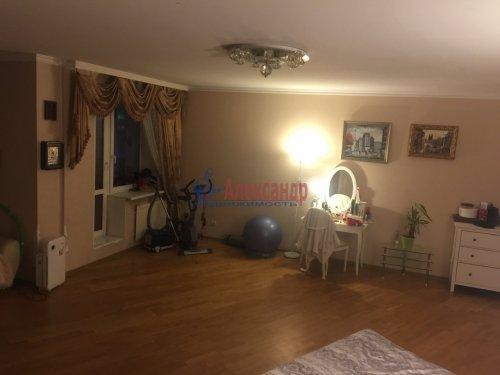2-комнатная квартира (89м2) на продажу по адресу Ленсовета ул., 88— фото 4 из 14