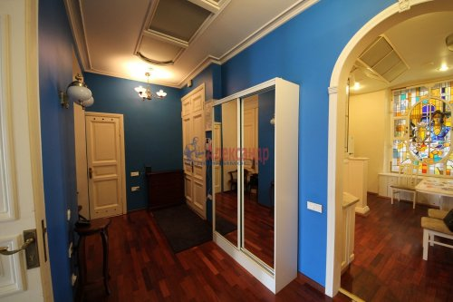 3-комнатная квартира (101м2) на продажу по адресу Конная ул., 8— фото 16 из 17