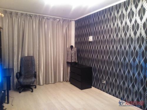 1-комнатная квартира (39м2) на продажу по адресу Шушары пос., Первомайская ул., 15— фото 1 из 7