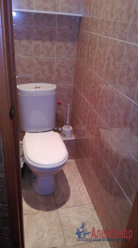 2-комнатная квартира (45м2) на продажу по адресу Антонова-Овсеенко ул., 13— фото 7 из 12