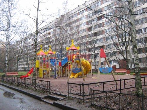 3-комнатная квартира (61м2) на продажу по адресу Культуры пр., 26— фото 2 из 3