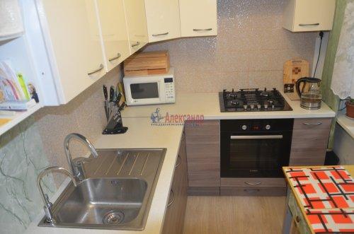 2-комнатная квартира (45м2) на продажу по адресу Брянцева ул., 8— фото 2 из 4