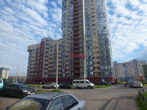 2-комнатная квартира (60м2) на продажу по адресу Доблести ул., 17— фото 1 из 21
