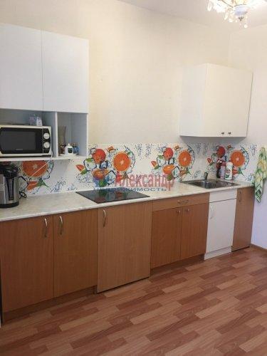 2-комнатная квартира (60м2) на продажу по адресу Юнтоловский пр., 53— фото 8 из 19