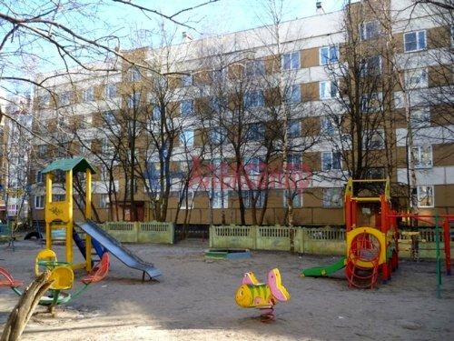 Комната в 3-комнатной квартире (62м2) на продажу по адресу Старая дер., Верхняя ул., 12— фото 4 из 18