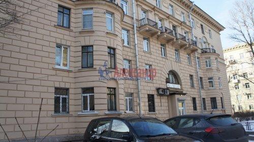 Комната в 9-комнатной квартире (250м2) на продажу по адресу Конторская ул., 14— фото 9 из 14