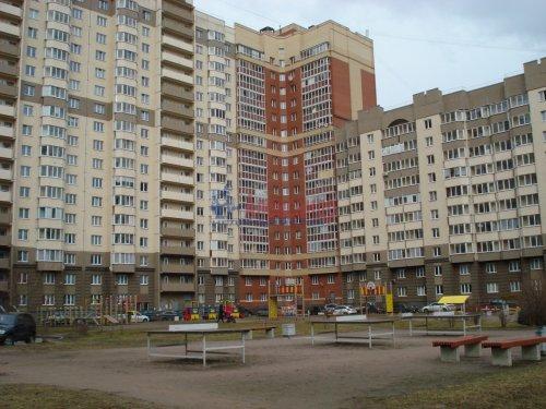 1-комнатная квартира (39м2) на продажу по адресу Оптиков ул., 52— фото 1 из 24