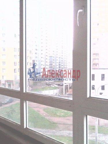 2-комнатная квартира (61м2) на продажу по адресу Оптиков ул., 52— фото 8 из 10