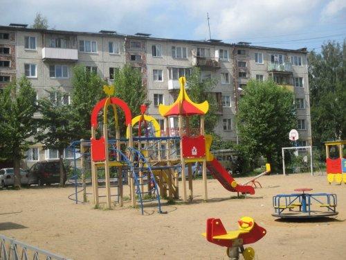 4-комнатная квартира (62м2) на продажу по адресу Гатчина г., Володарского ул., 39— фото 1 из 8