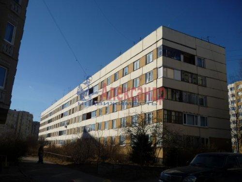 Комната в 3-комнатной квартире (62м2) на продажу по адресу Старая дер., Верхняя ул., 12— фото 1 из 18