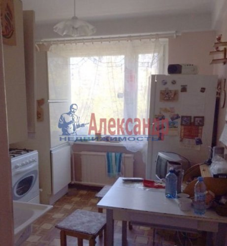 2-комнатная квартира (49м2) на продажу по адресу Светлановский просп., 44— фото 1 из 8