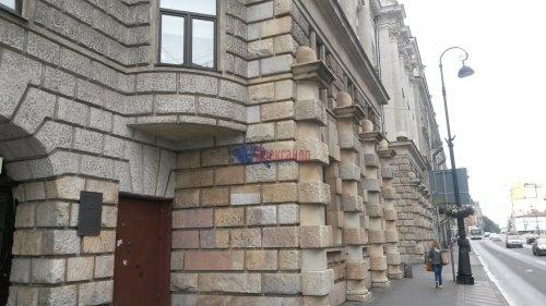 Комната в 16-комнатной квартире (428м2) на продажу по адресу Каменноостровский пр., 44— фото 11 из 11