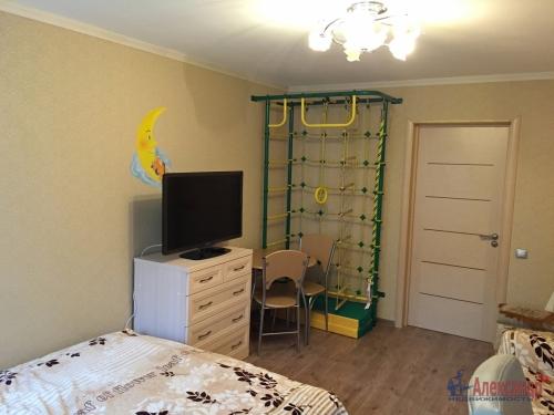 3-комнатная квартира (84м2) на продажу по адресу Обуховской Обороны пр., 108— фото 3 из 18