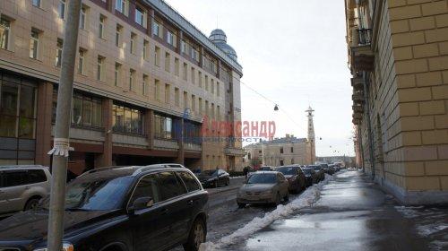 Комната в 9-комнатной квартире (250м2) на продажу по адресу Конторская ул., 14— фото 11 из 14