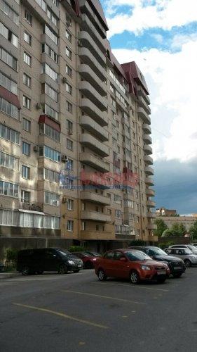 2-комнатная квартира (74м2) на продажу по адресу Ленинский пр., 151— фото 1 из 6