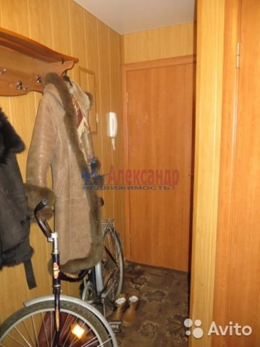 2-комнатная квартира (44м2) на продажу по адресу Коммунар г., Ленинградское шос., 20— фото 3 из 4