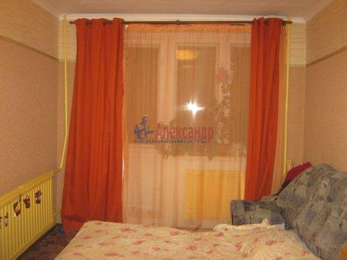 Комната в 6-комнатной квартире (117м2) на продажу по адресу Композиторов ул., 24— фото 1 из 8
