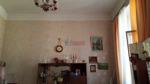 Комната в 8-комнатной квартире (280м2) на продажу по адресу Кадетская линия, 31— фото 2 из 2