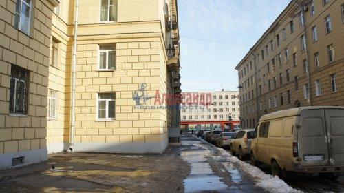 Комната в 9-комнатной квартире (250м2) на продажу по адресу Конторская ул., 14— фото 12 из 14