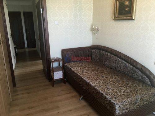 3-комнатная квартира (57м2) на продажу по адресу Раевского пр., 20— фото 11 из 31