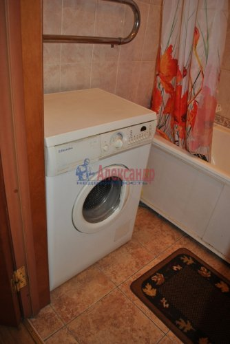 2-комнатная квартира (58м2) на продажу по адресу Бабушкина ул., 52— фото 17 из 25