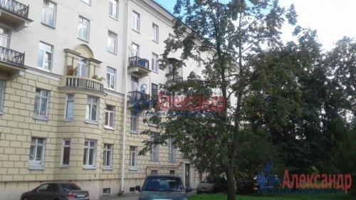3-комнатная квартира (82м2) на продажу по адресу Среднеохтинский пр., 2— фото 8 из 17