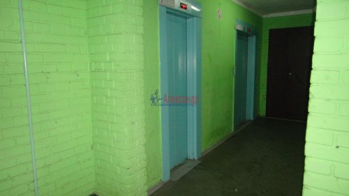 2-комнатная квартира (55м2) на продажу по адресу Сертолово г., Заречная ул., 1— фото 13 из 14