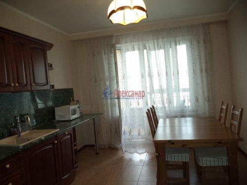 3-комнатная квартира (109м2) на продажу по адресу Луначарского пр., 13— фото 3 из 27