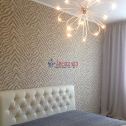 2-комнатная квартира (65м2) на продажу по адресу Русановская ул., 15— фото 4 из 12