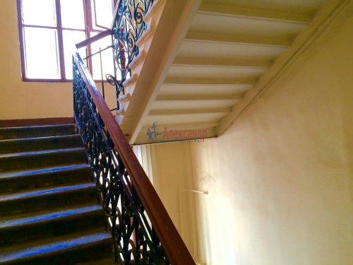 3-комнатная квартира (80м2) на продажу по адресу Суворовский пр., 5— фото 8 из 9