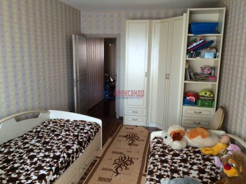2-комнатная квартира (57м2) на продажу по адресу Мурино пос., Привокзальная пл., 1— фото 9 из 13