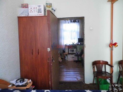Комната в 4-комнатной квартире (115м2) на продажу по адресу Невский пр., 128— фото 3 из 10