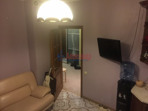 2-комнатная квартира (89м2) на продажу по адресу Ленсовета ул., 88— фото 6 из 14