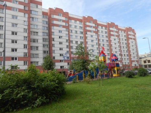 1-комнатная квартира (41м2) на продажу по адресу Композиторов ул., 31— фото 1 из 10