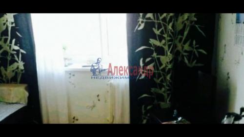 2 комнаты в 8-комнатной квартире (200м2) на продажу по адресу Металлострой пос., Садовая ул., 21— фото 3 из 5