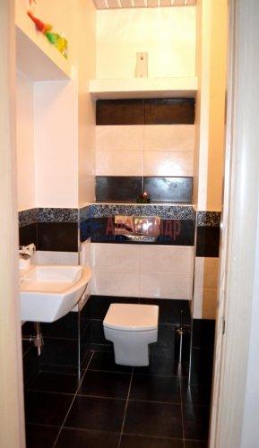 3-комнатная квартира (80м2) на продажу по адресу Комендантский пр., 53— фото 16 из 18
