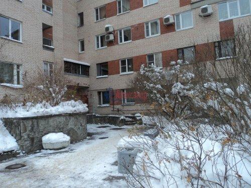 2-комнатная квартира (50м2) на продажу по адресу Зеленогорск г., Привокзальная ул., 7— фото 2 из 11