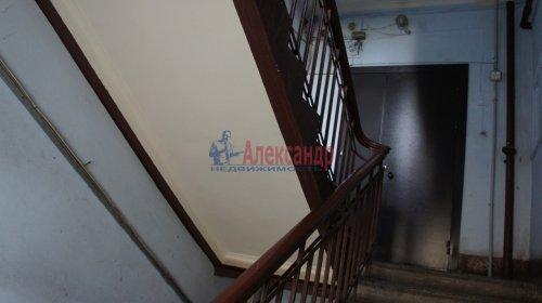 Комната в 9-комнатной квартире (250м2) на продажу по адресу Конторская ул., 14— фото 7 из 14