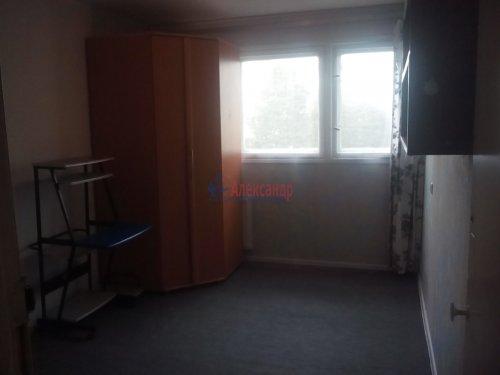 Комната в 3-комнатной квартире (61м2) на продажу по адресу Есенина ул., 8— фото 4 из 6