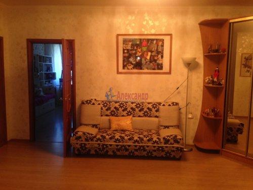 2-комнатная квартира (77м2) на продажу по адресу Кондратьевский пр., 62/3— фото 5 из 15