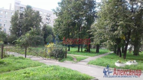 3-комнатная квартира (82м2) на продажу по адресу Среднеохтинский пр., 2— фото 13 из 17