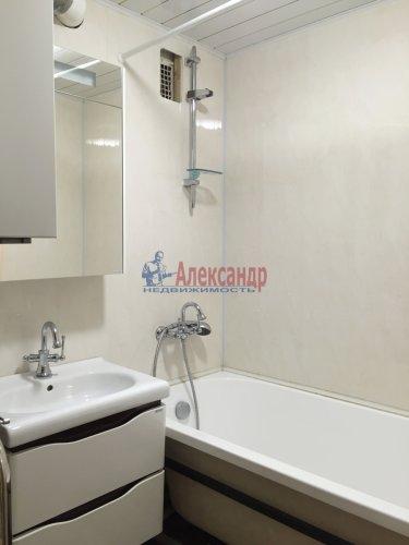 3-комнатная квартира (84м2) на продажу по адресу Обуховской Обороны пр., 108— фото 13 из 18