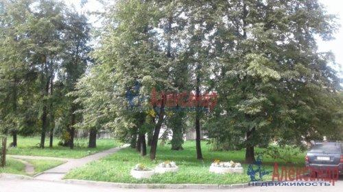3-комнатная квартира (82м2) на продажу по адресу Среднеохтинский пр., 2— фото 14 из 17