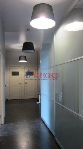 2-комнатная квартира (70м2) на продажу по адресу Петергофское шос., 5— фото 13 из 19