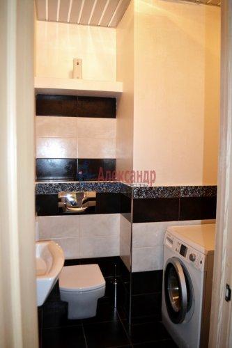 3-комнатная квартира (80м2) на продажу по адресу Комендантский пр., 53— фото 17 из 18