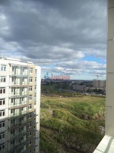 1-комнатная квартира (57м2) на продажу по адресу Маршала Блюхера пр., 15— фото 9 из 13