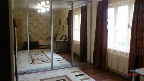 3-комнатная квартира (77м2) на продажу по адресу Осиновая Роща пос., Приозерское шос., 12— фото 1 из 17